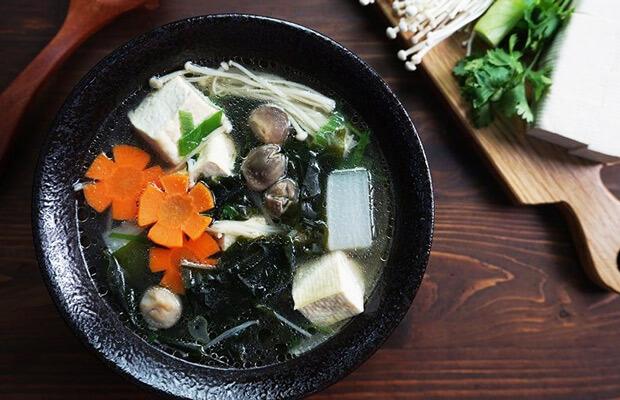 5 cách nấu canh rong biển không tanh chuẩn vị kiểu Hàn Quốc