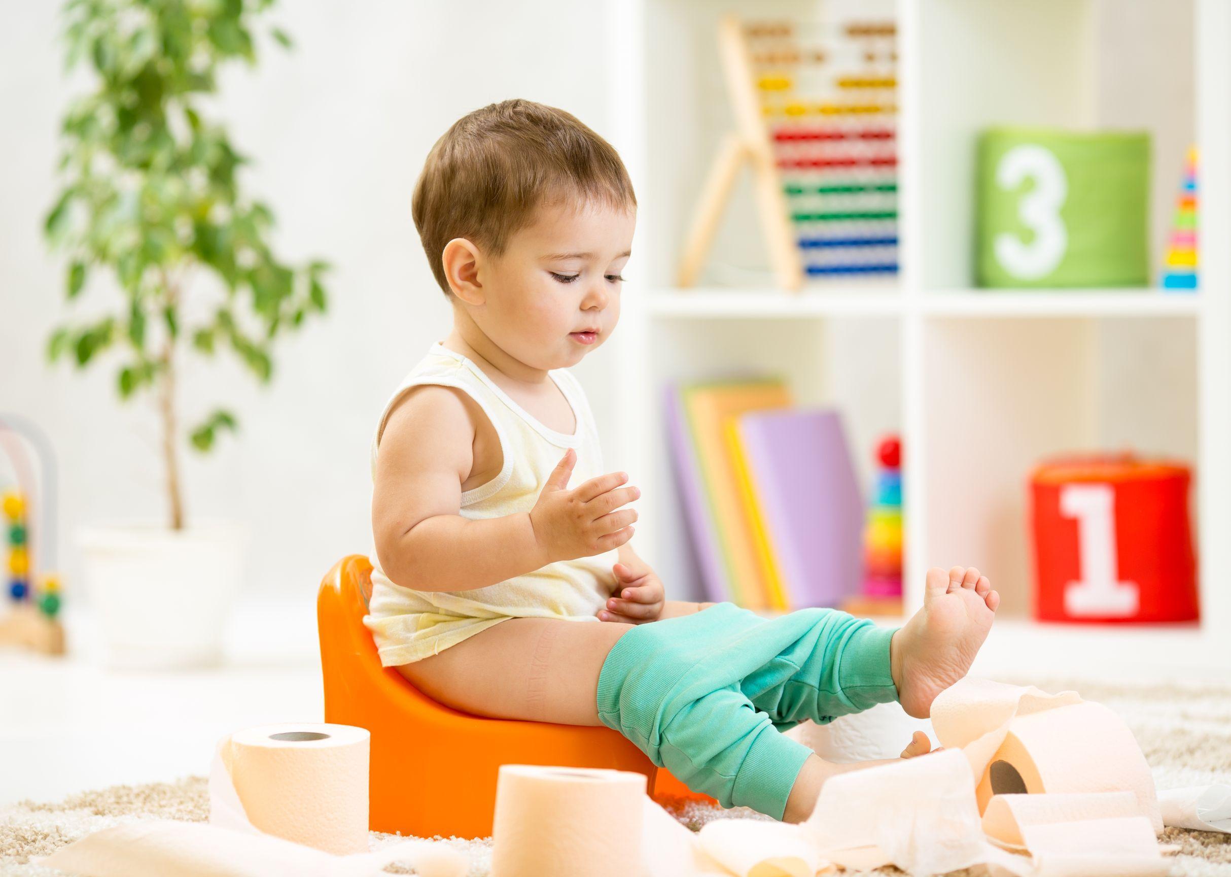 Trẻ 3 tháng tuổi bị táo bón thì làm thế nào?